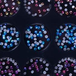 Įvairių formų ir atspalvių nagų dailės dekoracijos dėžutėje Nr - 4
