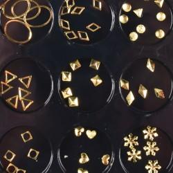 Įvairių formų ir atspalvių nagų dailės dekoracijos dėžutėje Nr - 5