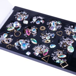 Įvairių formų ir atspalvių nagų dailės dekoracijos dėžutėje Nr - 3