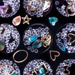 Įvairių formų ir atspalvių nagų dailės dekoracijos dėžutėje Nr - 1